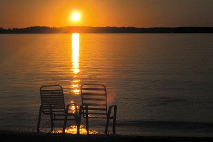 SunsetChairsLakeMoses